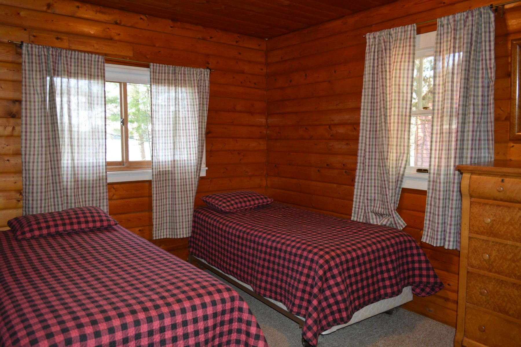 Beaver-house-twin-bedroom