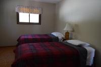 Eagles-Nest-Twin-Bedroom