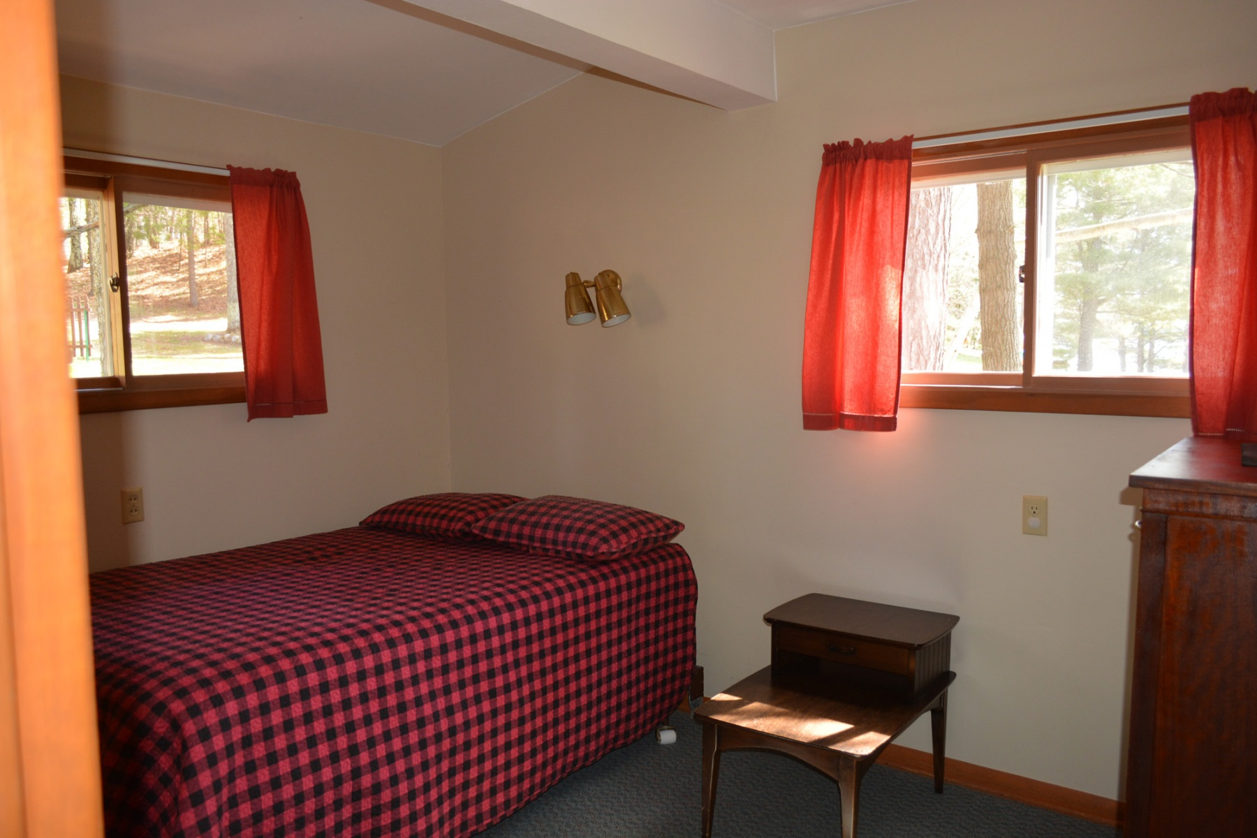 Loons-Haven-Bedroom