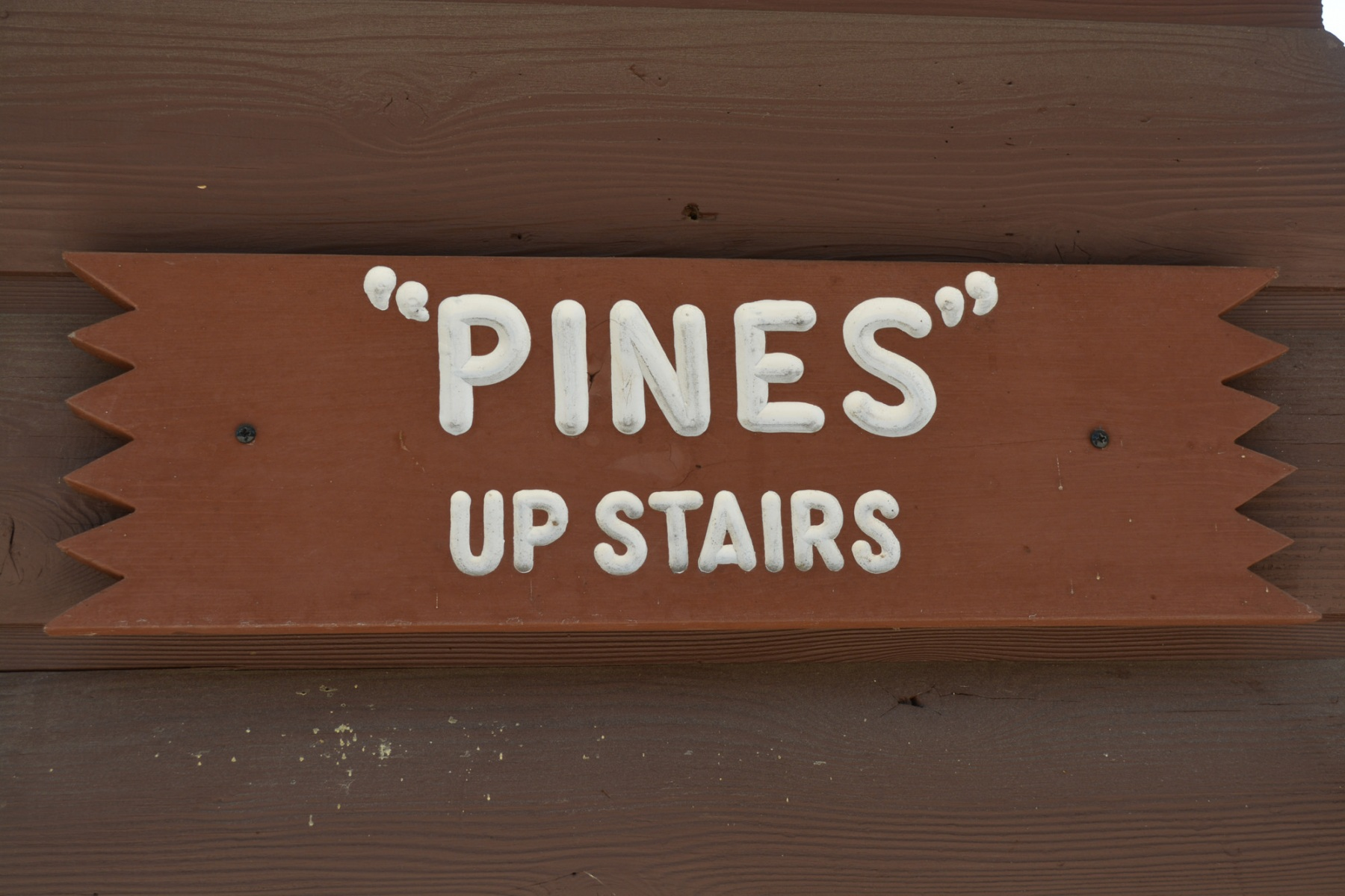 Moonlight-in-the-Pines-sign