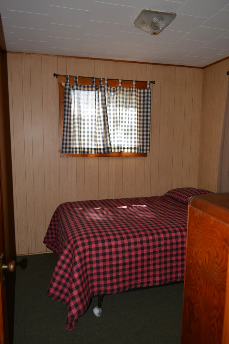 Musky-Full-Bedroom