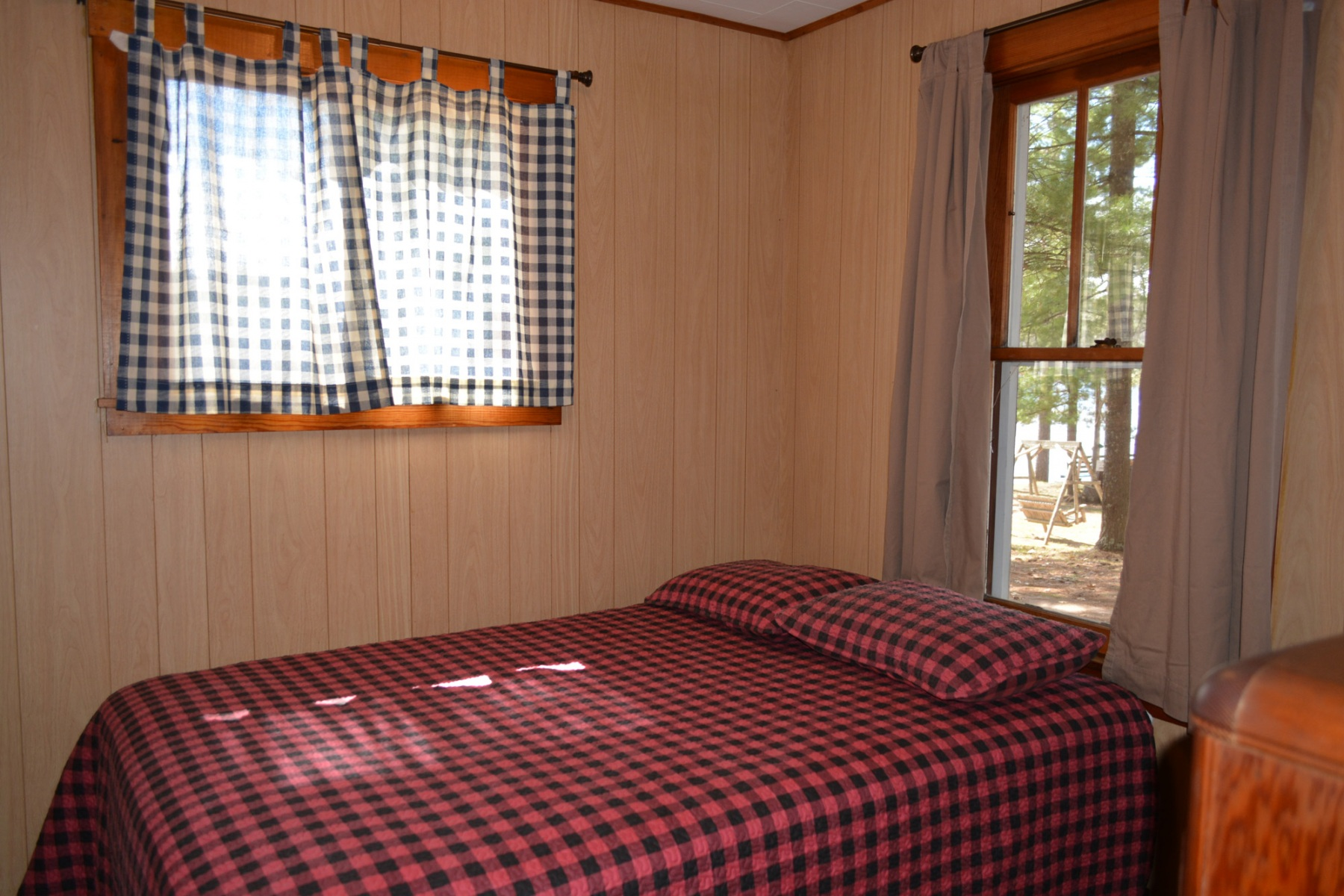 Musky-Hut-Bedroom