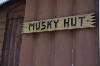 Musky-Hut-Sign