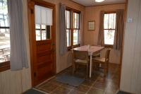 Musky-Hut-Dining-Area