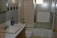 Ospreys-Roost-Bathroom